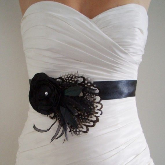 Love this belt, it would be great for a black and white inspired wedding!