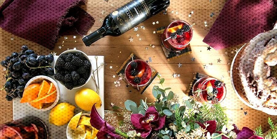 15 Best New Years Eve Party Ideas in 2020  Courtesy of Sugar and Charm  You cant... -