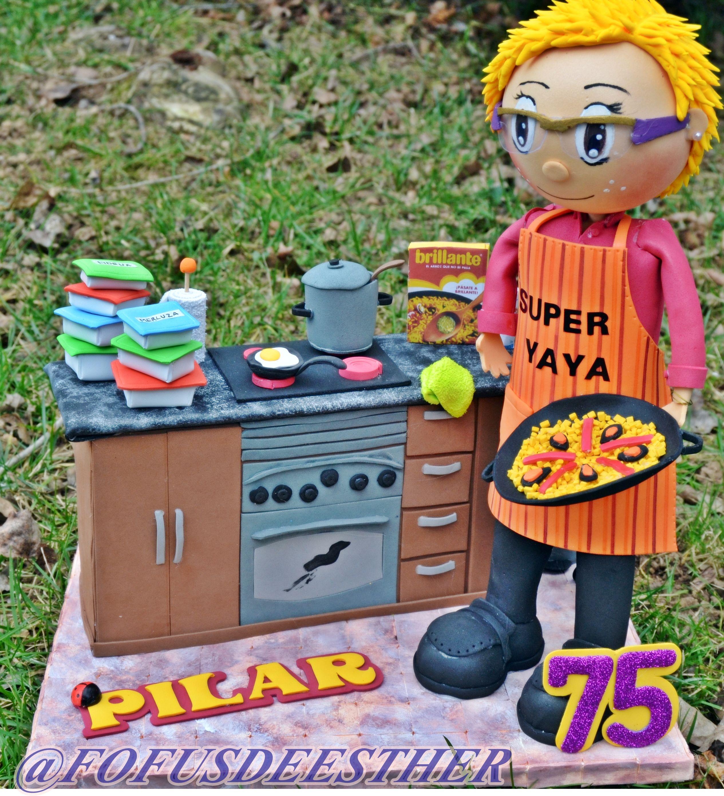 madre, super yaya, goma eva,  foami, cocina, cocinera, paella