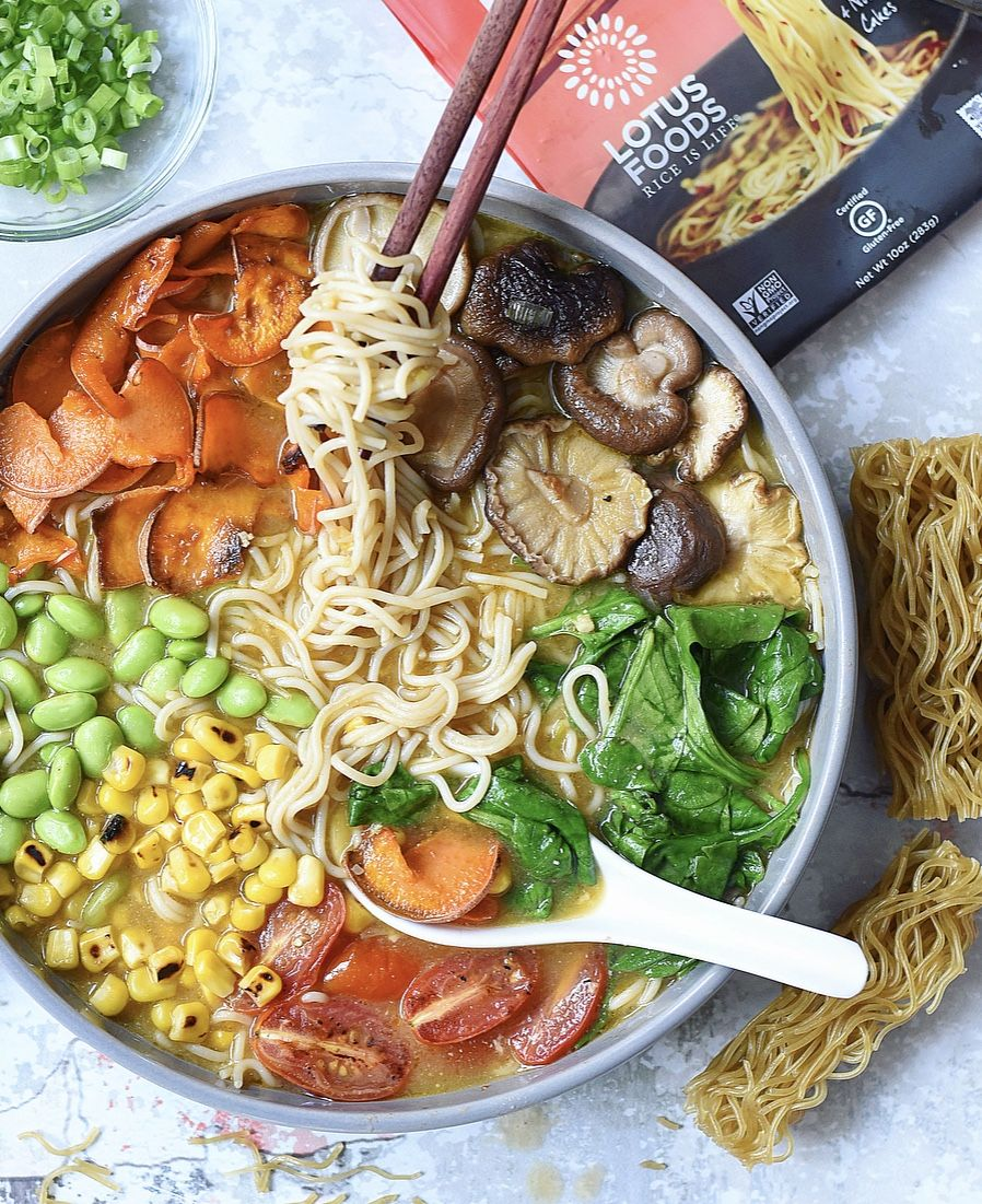 Veggie Loaded Easy Vegan Ramen Soup Recipe In 2020 Vegan Ramen Ramen Soup Easy Vegan