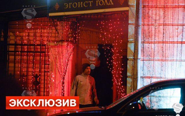 Calciatori Della Roma Beccati in Uno Strip Club in Russia Dopo il Pareggio in Champions #stripclub #roma #giocatori #pareggio