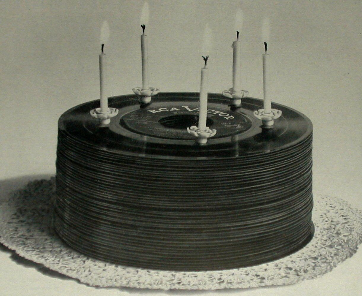 Vinyl Record Cake How Cool Would It Be To Have This Same