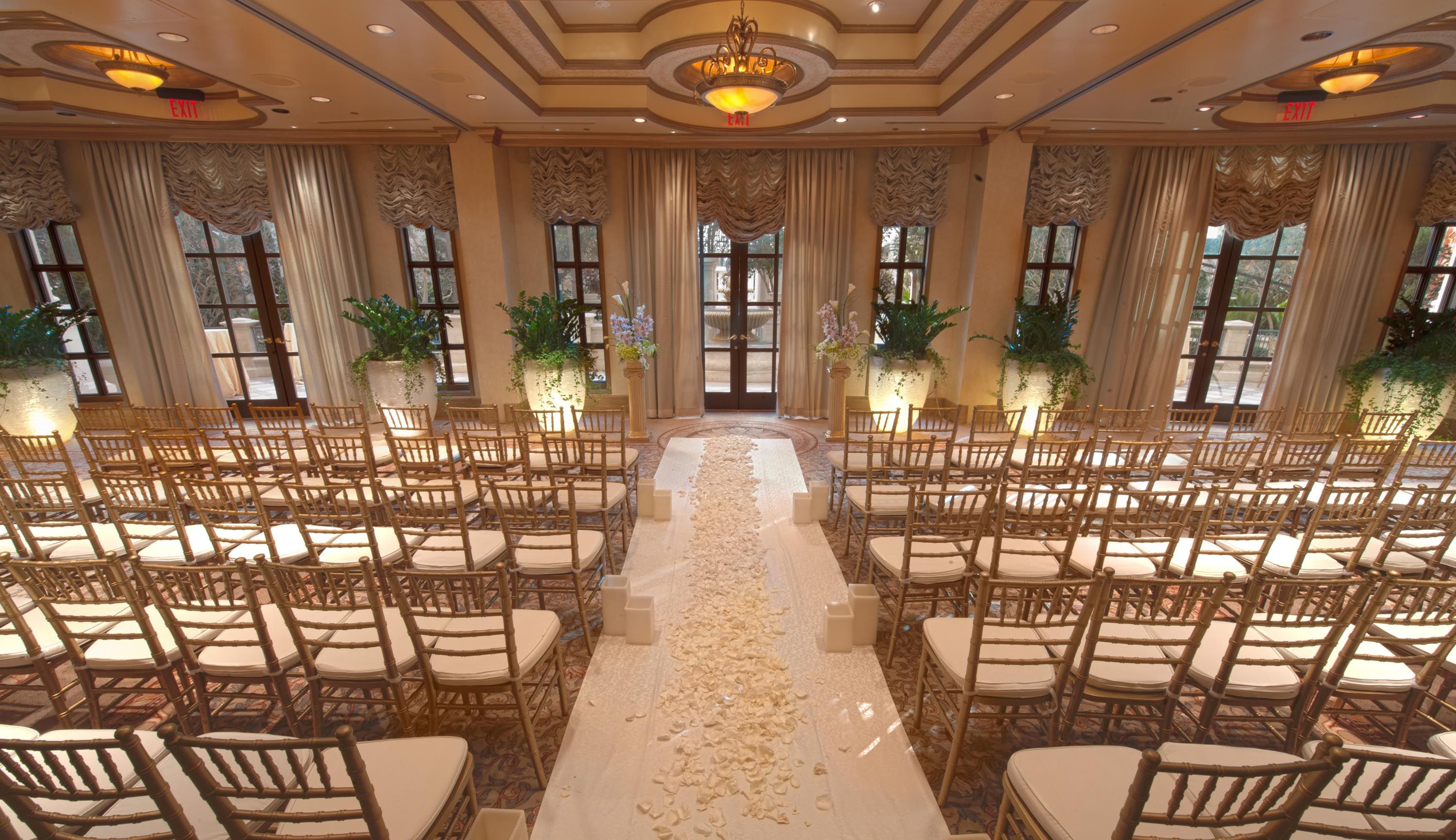 wedding chapel las vegas Las Vegas Wedding Packages Plan a perfect Las Vegas destination wedding at The Venetian bring the Old World charm of Italy to your wedding ceremony