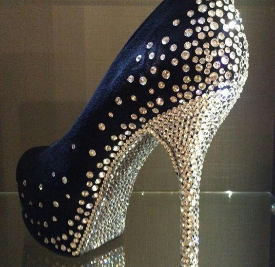 Customização Customização Customização sapato de salto Feathers  Zapatos f6f3e6