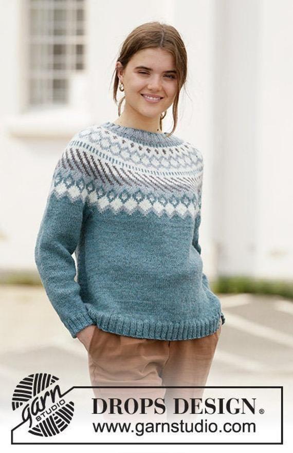 Handgestrickter Pullover mit Rundpasse und nordischem Muster