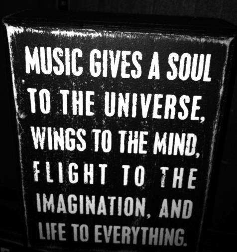 aahhh music... <3
