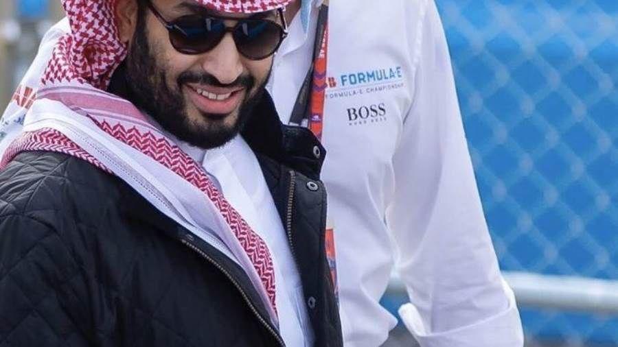 إقبال كبير على اقتناء جاكيت ولي العهد السعودي والهشتاج يتصدر الترند Rain Jacket Windbreaker Coat
