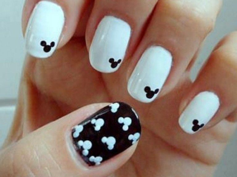 Mickey Mouse Nails Cute Black And White Nails Art Cool Pretty Mickey Mouse Nail  Art So Gonna Do This For Disney
