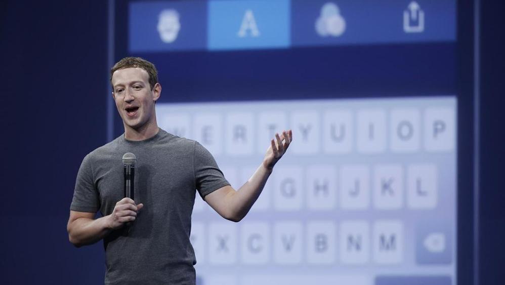 La strategia di #Zuckerberg: trasformare #Messenger in unapp per le aziende  http://bit.ly/2bZYAAI #SocialMedia http://bit.ly/2cjao61