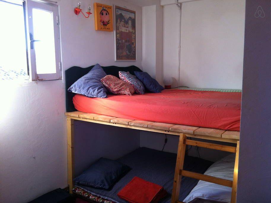 2eme Chambre 8m2 Une Mezzanine Avec Lit Double Et Un Coin Enfant