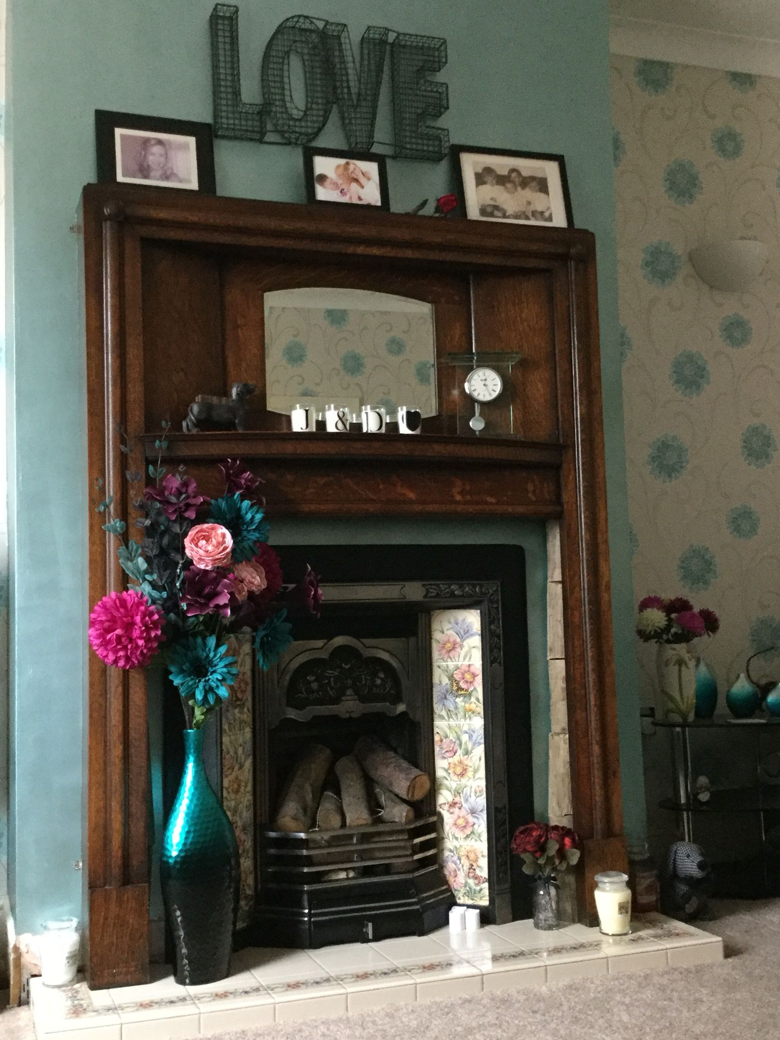 Cast Iron Fireplace With Tiled Surround 1920S Mantle