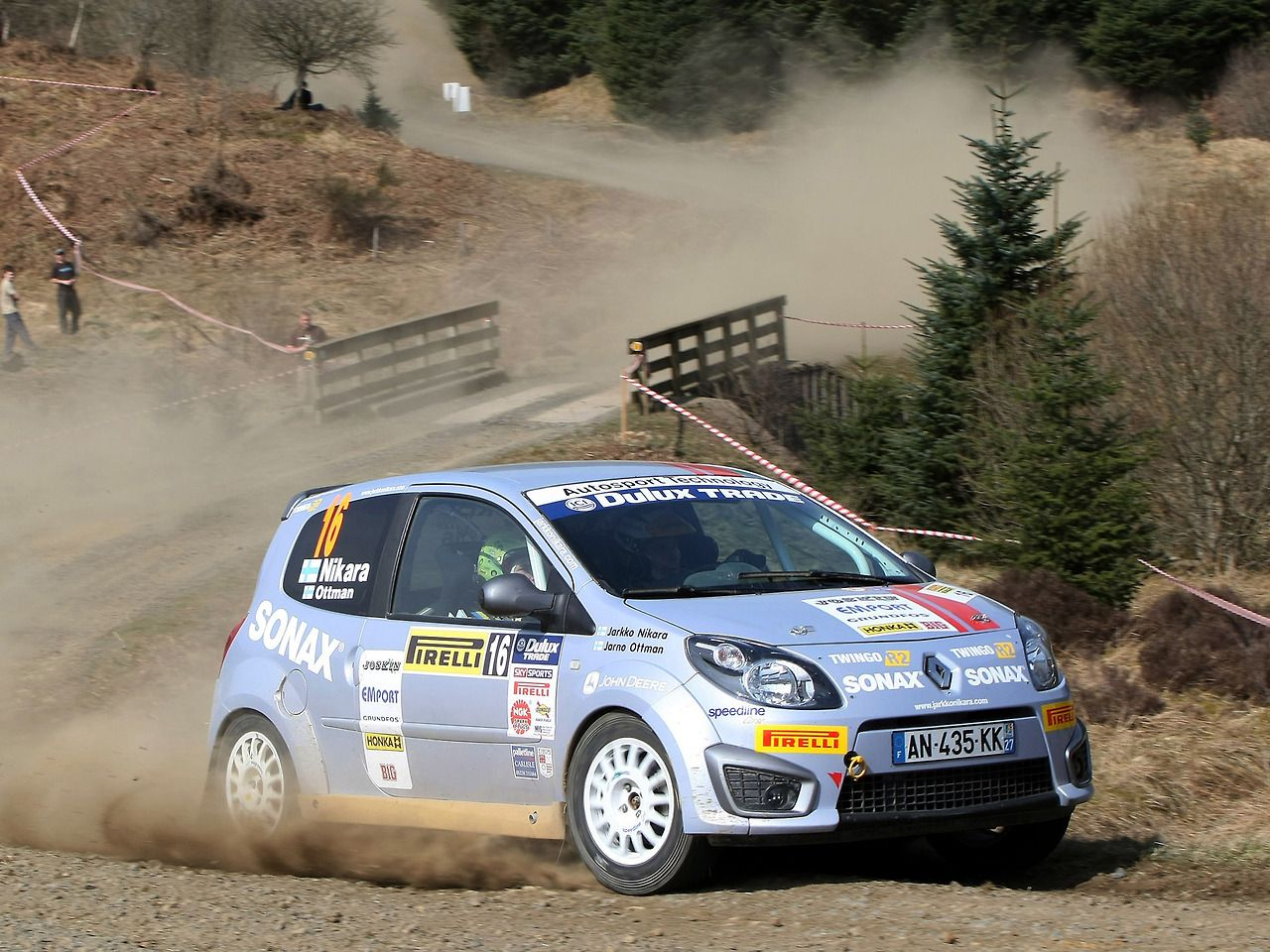 Renault Twingo rally car