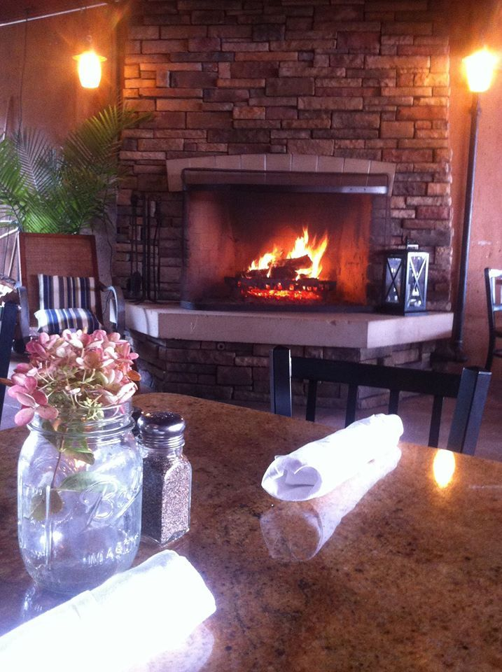 Cozy Grand Rapids Restaurants with fireplaces. Grand