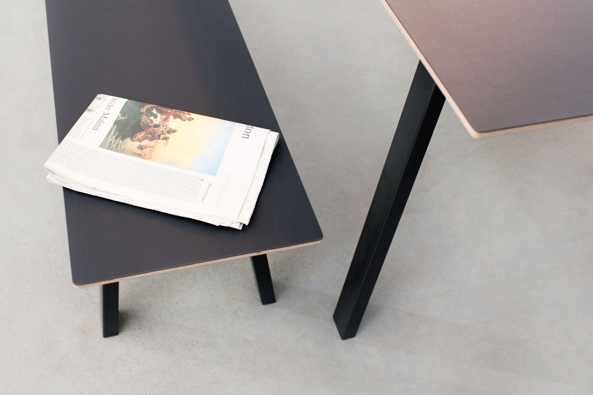 Sitzbank im skandinavischen Design mit LinoleumOberfläche