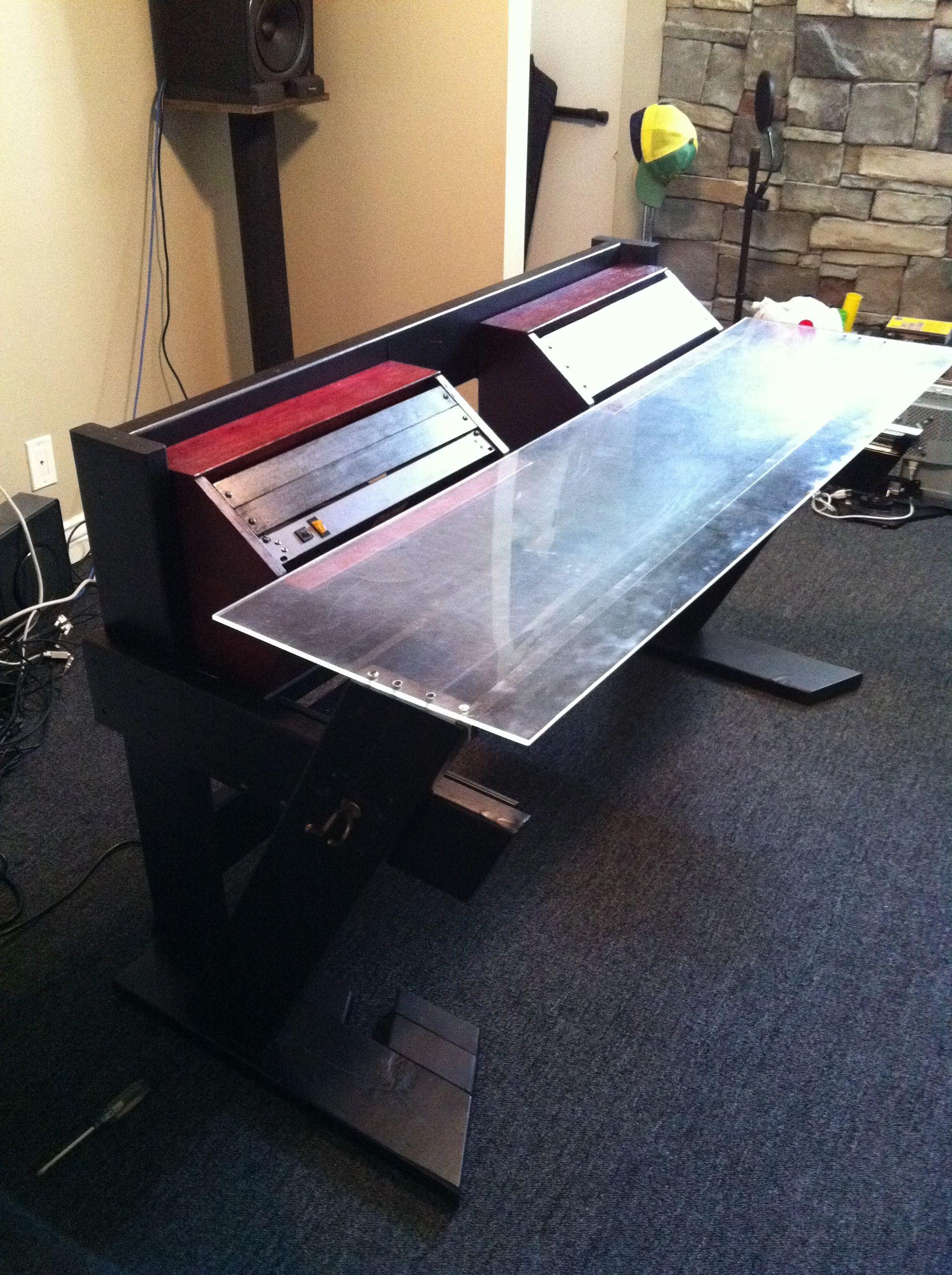 DIY Studio Desk Keyboard Workstation under 0 img 2297