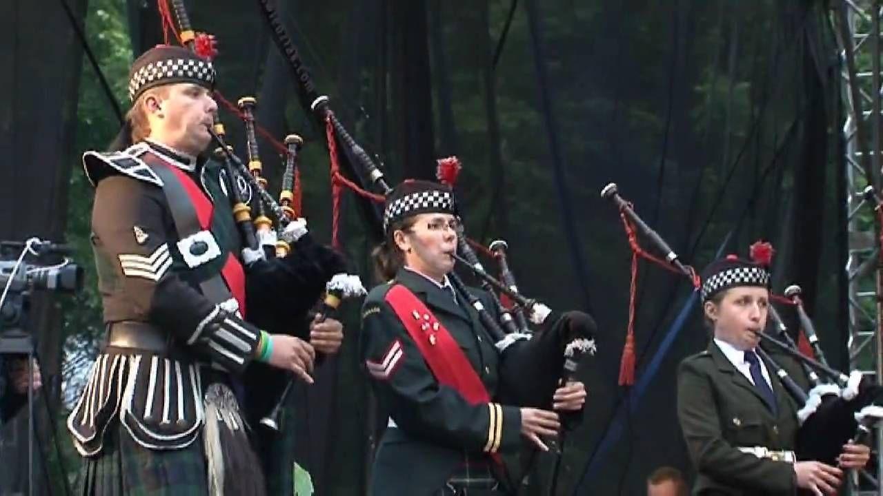 Amazing Grace Czestochowa Pipes & Drums z Królewską