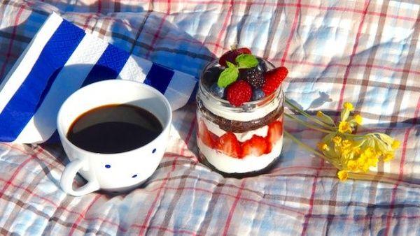 Kakku lasipurkissa