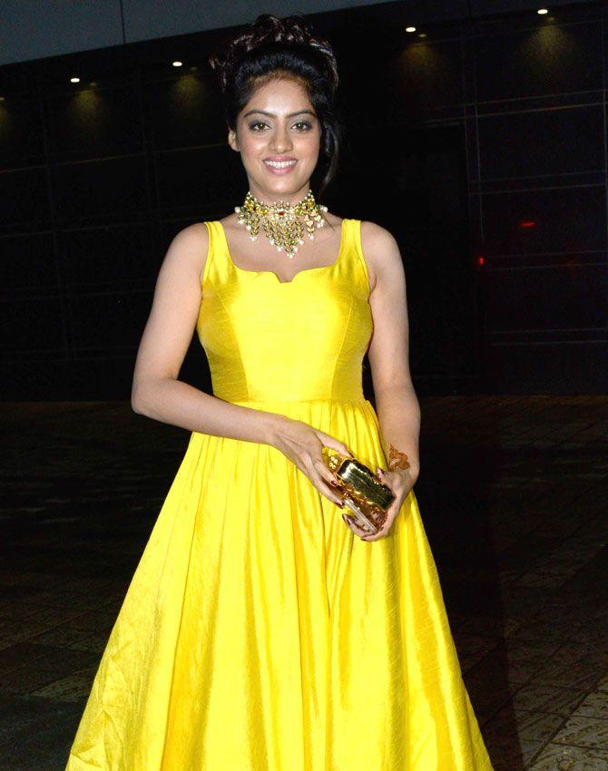 Diya Aur Baati Hum Star Deepika Singh At Divyanka Tripathi And Vivek Dahiyas Wedding Reception