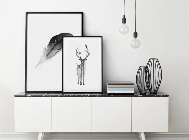 Poster mit Naturmotiven. Schönes Poster mit Hirsch.