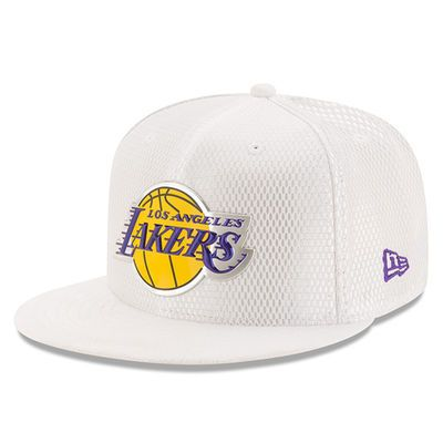 Men S Los Angeles Lakers New Era White 2017 Official On Court Collection 59fifty Fitted Hat Los Angeles Lakers Fitted Hats Lakers Hat
