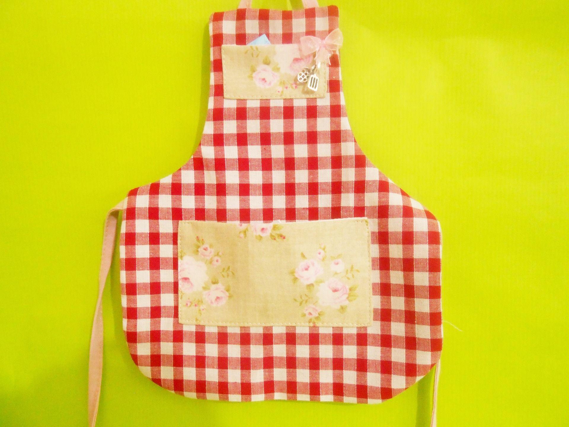 Tablier de cuisine fantaisie pour toutes bouteilles. : Cuisine et service de table par splendeur-du-tissu