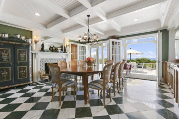 Go inside susan lucci   home also  beautiful space hamptons house rh pinterest