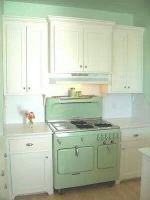 Vintage Green Stove Dream Home Pinterest Aménagement Et Déco - Cuisiniere rouge 60 cm pour idees de deco de cuisine