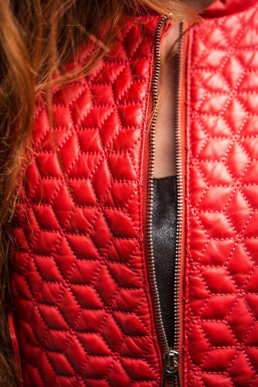 e11ef970bdd5 Cuir rouge avec surpiqûres style bubble - modèle Noam   LEATHER ...