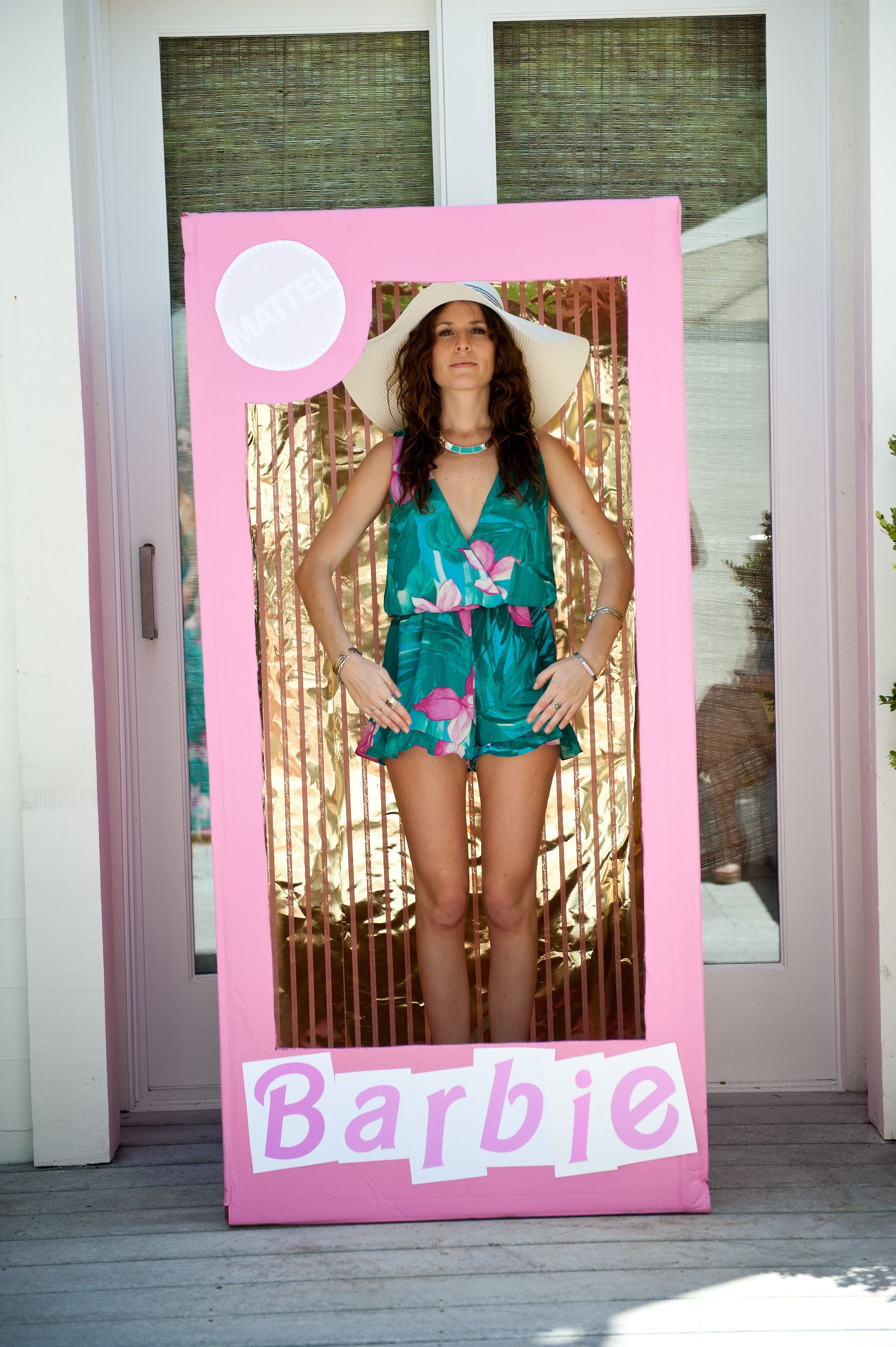 a0dd067cbe5 This Malibu-Barbie-Themed Bridal Shower Is Filled With the Most Fun Details