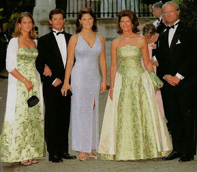 10 идеальных фотографий королевских семей. ФОТО ...