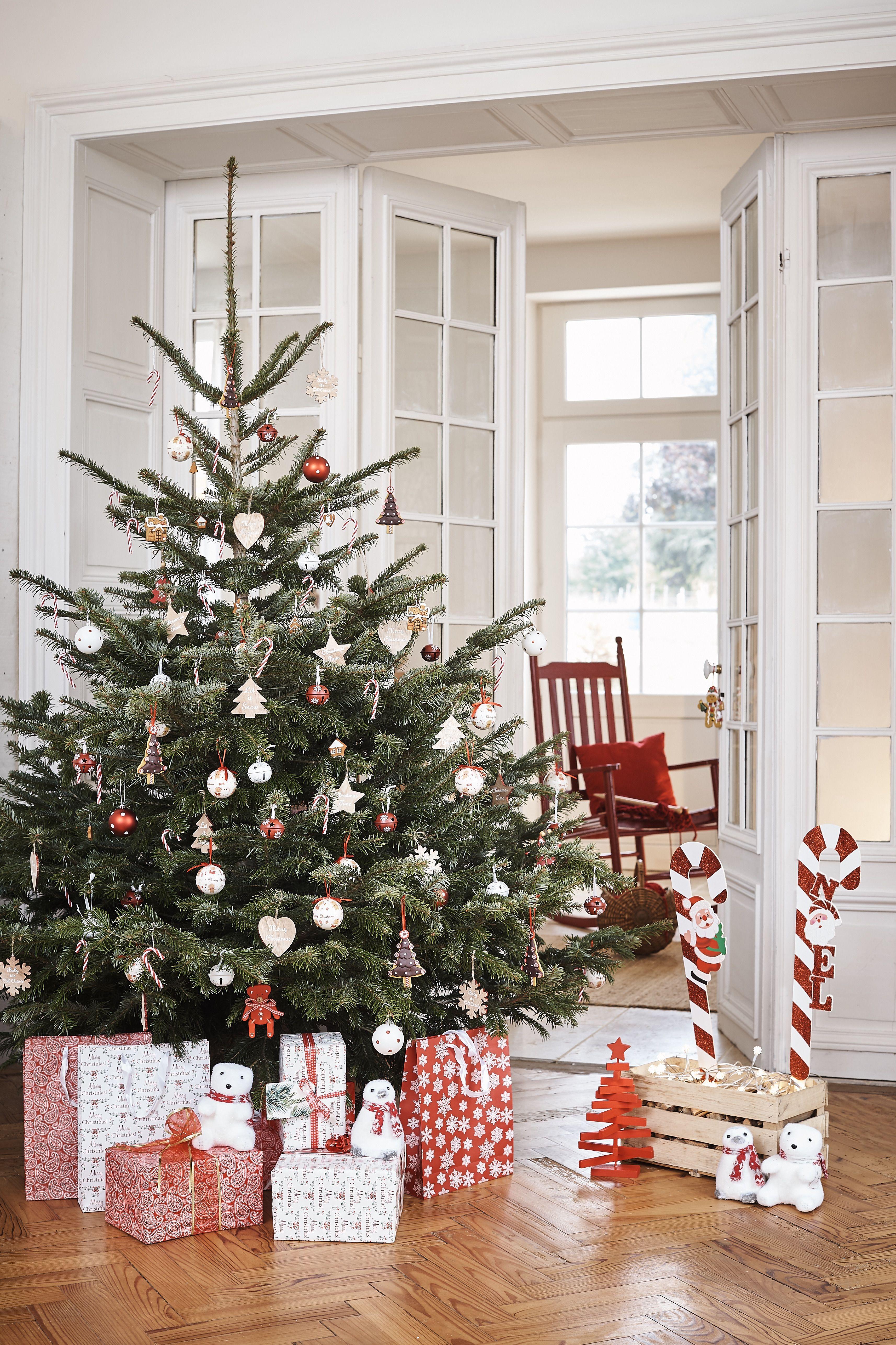 Sapin De Noel 2018 Le Choisir Le Decorer Le Jeter Decoration Noel Deco Noel Sapin Et Deco Noel Gifi