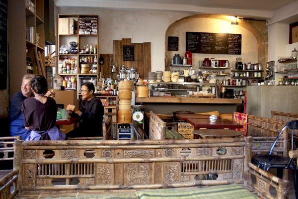 Le Café Chinois: A second look