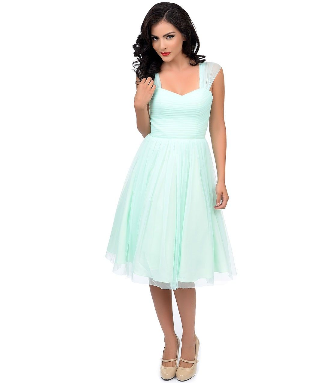 54c10a297f 20 Perfect Places To Find Super Cheap and Stunning AF Prom Dresses ...