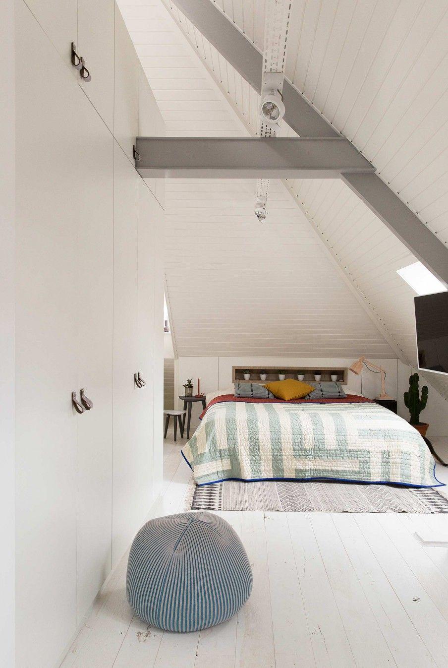 slaapkamer op zolder | loft bedroom | vtwonen 10-2016 | photography ...