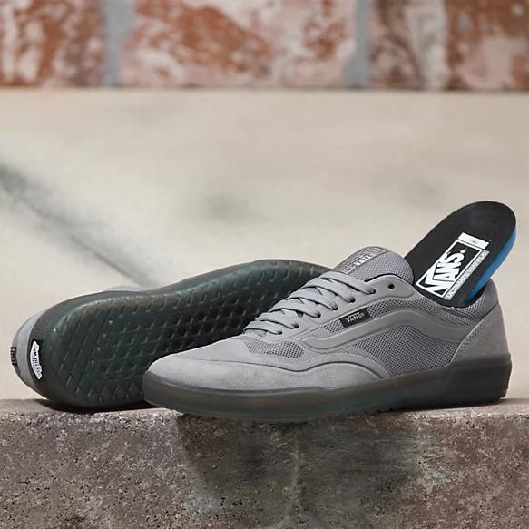 Skate shoes, Sneakers men fashion, Vans