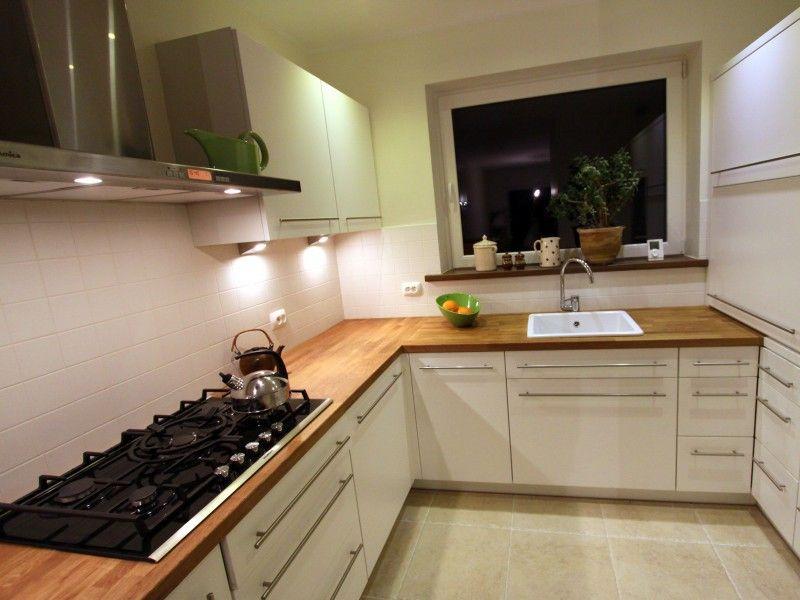 biała kuchnia drewniany blat  Szukaj w Google  Kuchnia   -> Kuchnia Kremowa Matowa