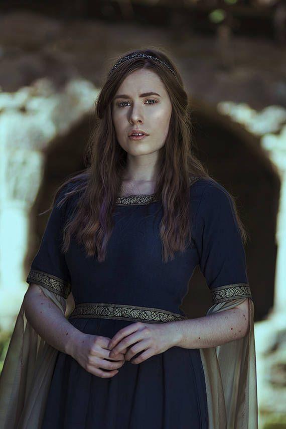 Blue Medieval Dress Celtic gown elven dress long sleeves | Medieval ...