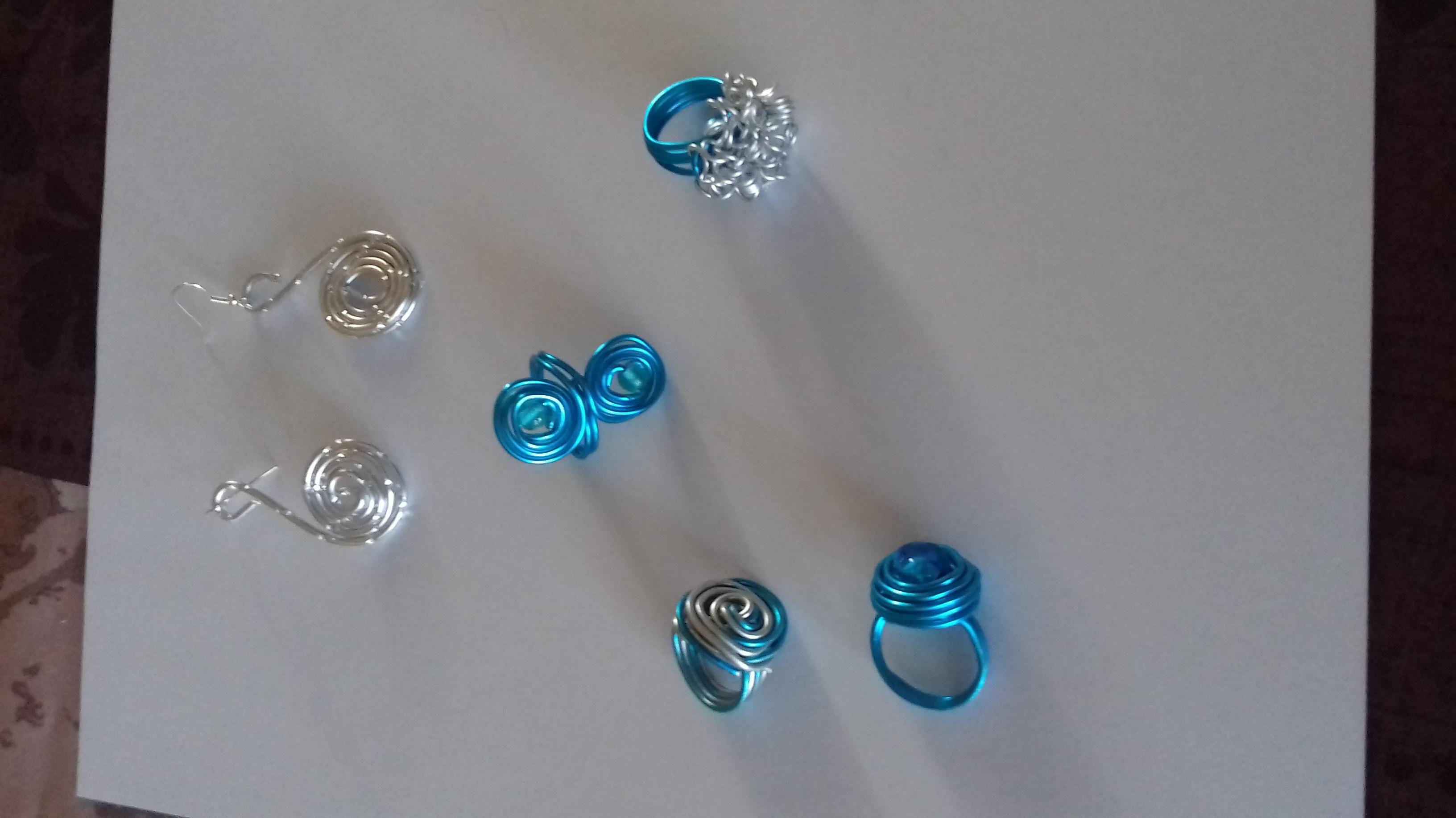 bijoux métal bleu argent