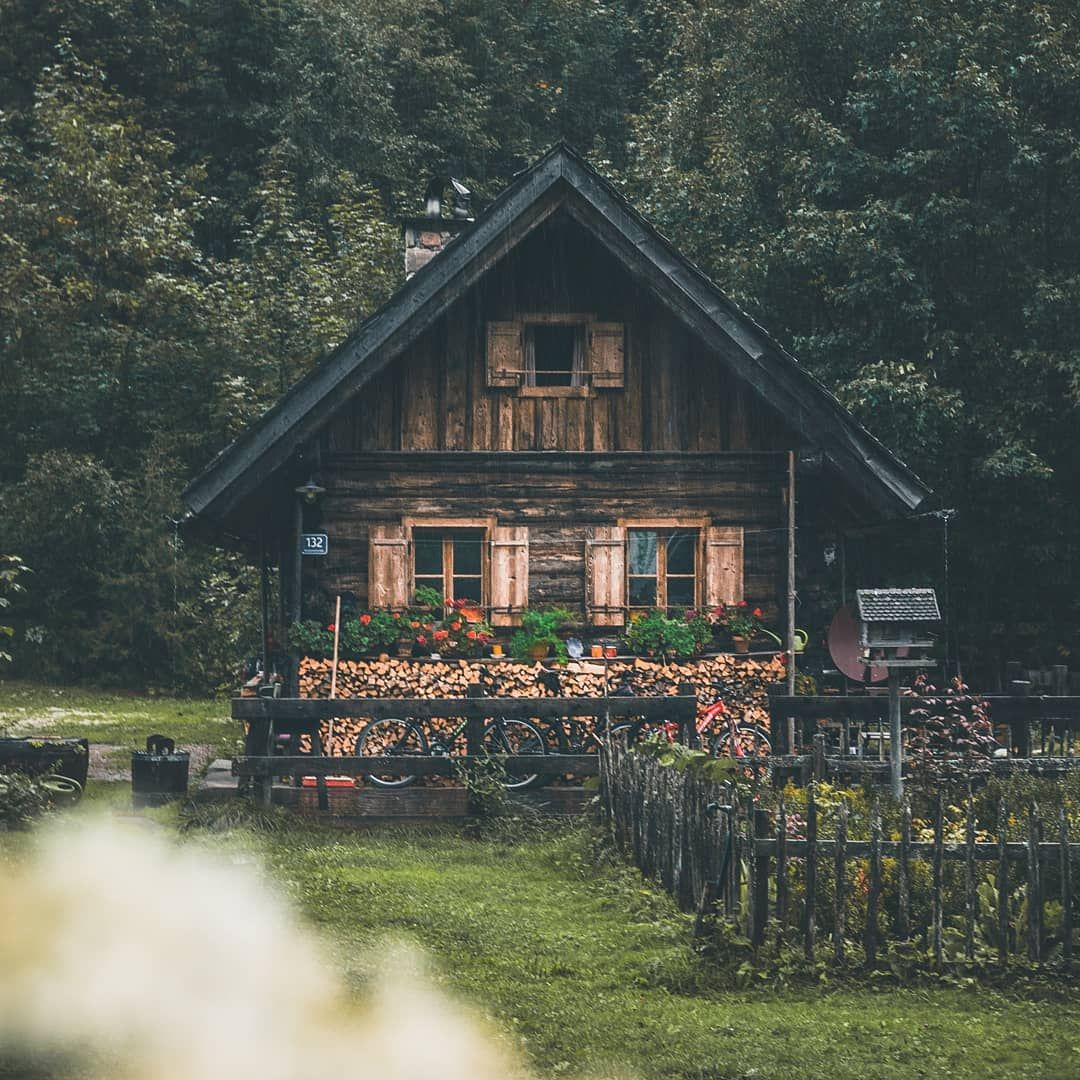 Beautiful Cabin In The Swiss Alps Check Out Desigedecors Com To Get More Inspiration Interiordesign Cozyplace R Swiss House Unique Cottages Beautiful Cabins