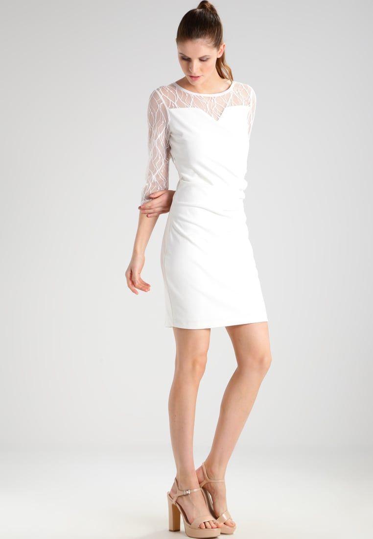 f42aa74dec ¡Consigue este tipo de vestido informal de Kaffe ahora! Haz clic para ver  los