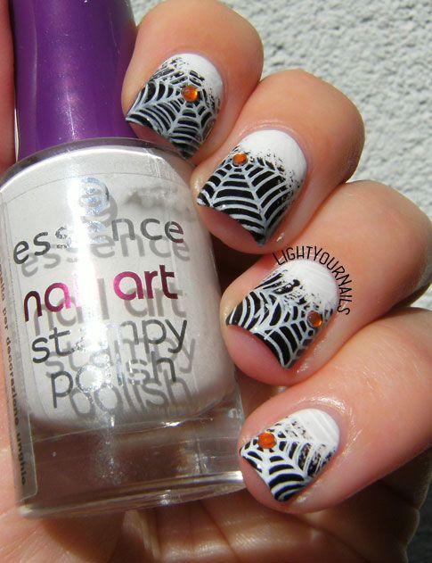 Halloween spiderwebs nail art #nailart #drk #nailstamping #halloween #lightyournails