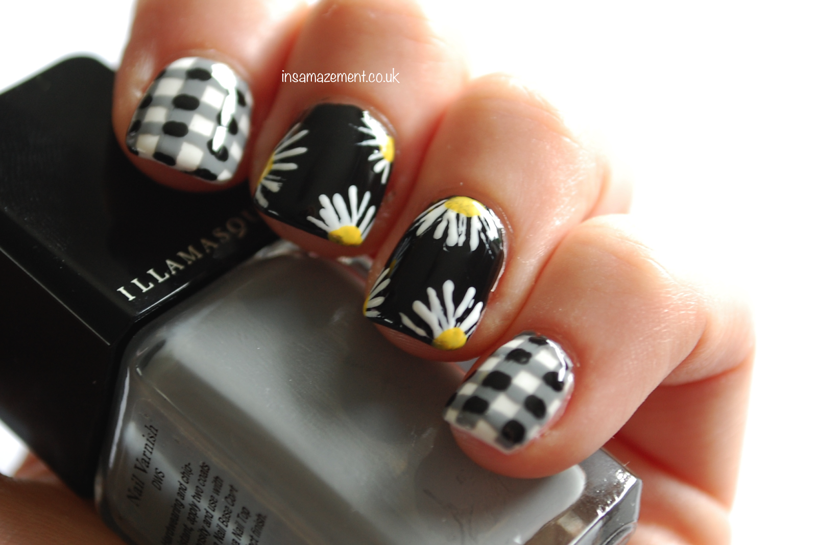 Gingham & Daisy Nail Art Tutorial - How amazing are these nails ...