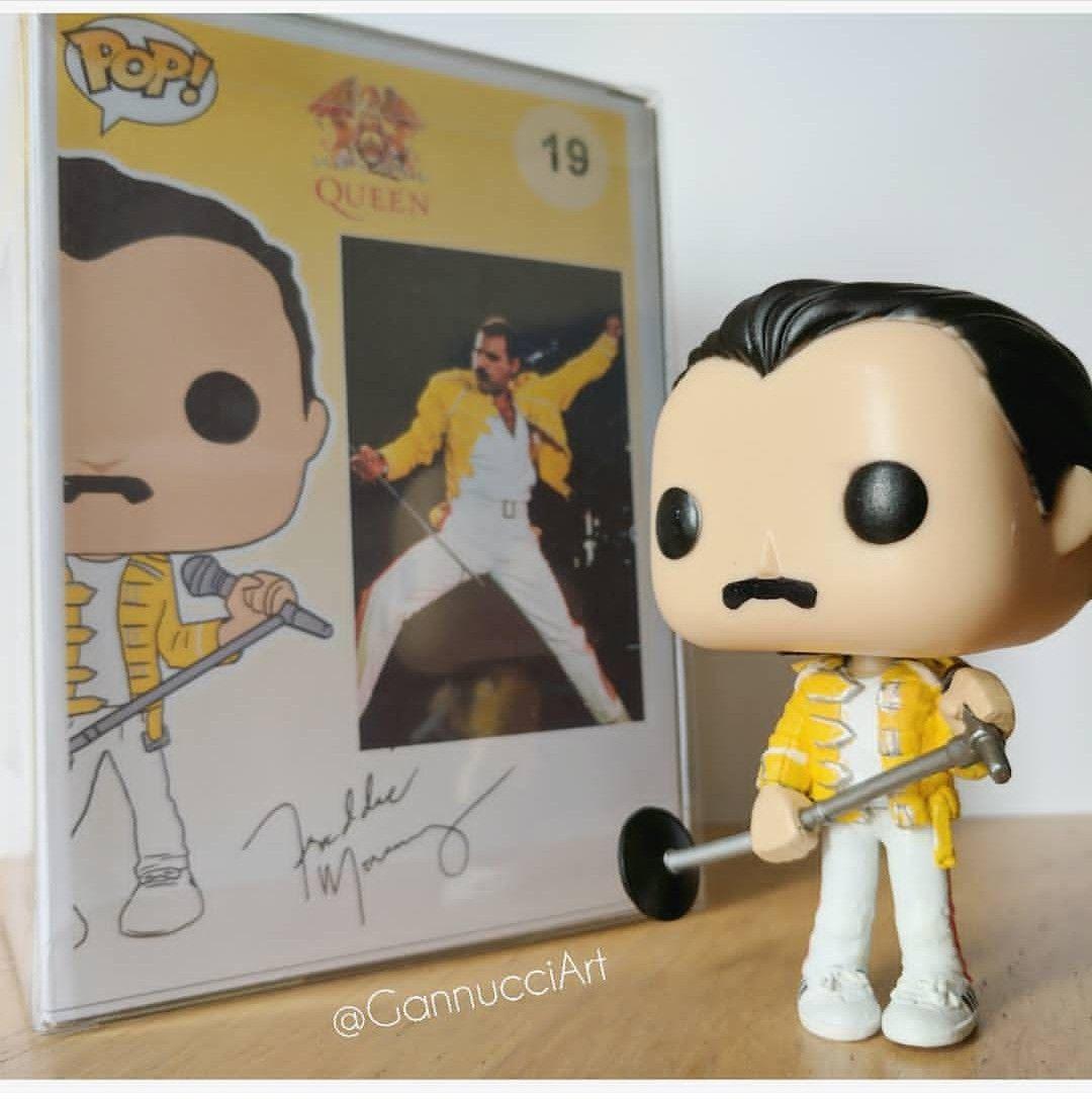 2bef00671265e  custom  funko  pop  vinyl  freddie  mercury  FreddieMercury  music  icon   legend  queen  yellowjacket  jacket  yellow