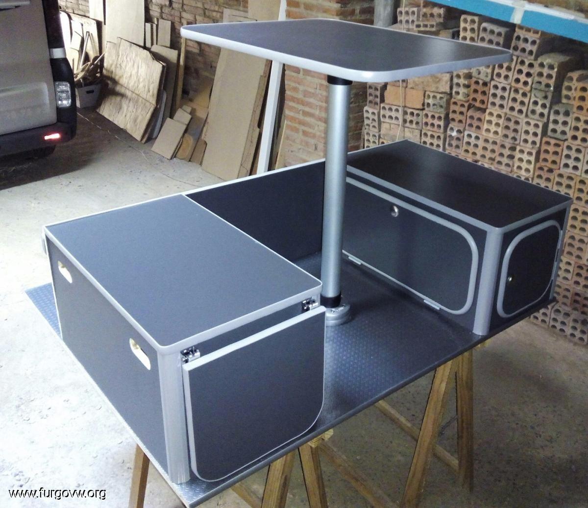 Mueble kit berlingo 2 partner c8 camper monovolumen for Muebles furgoneta camper