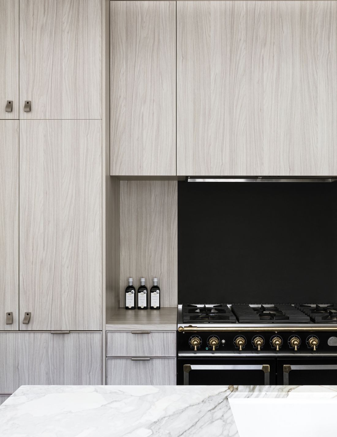 Hunters Hill House By Handelsmann Khaw Modern Kitchen Design Contemporary Style Kitchen House On A Hill