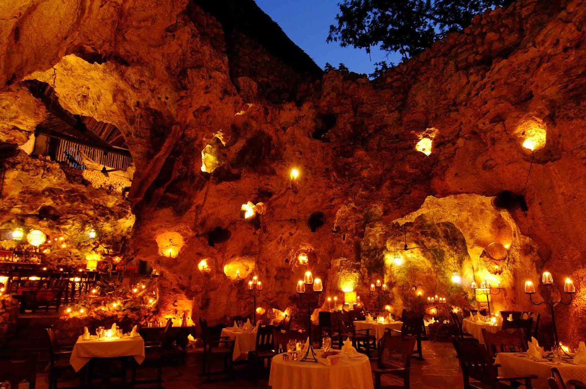 25 Life Changing Restaurants To Experience Before You Die Unique Restaurants World S Most Beautiful Restaurant