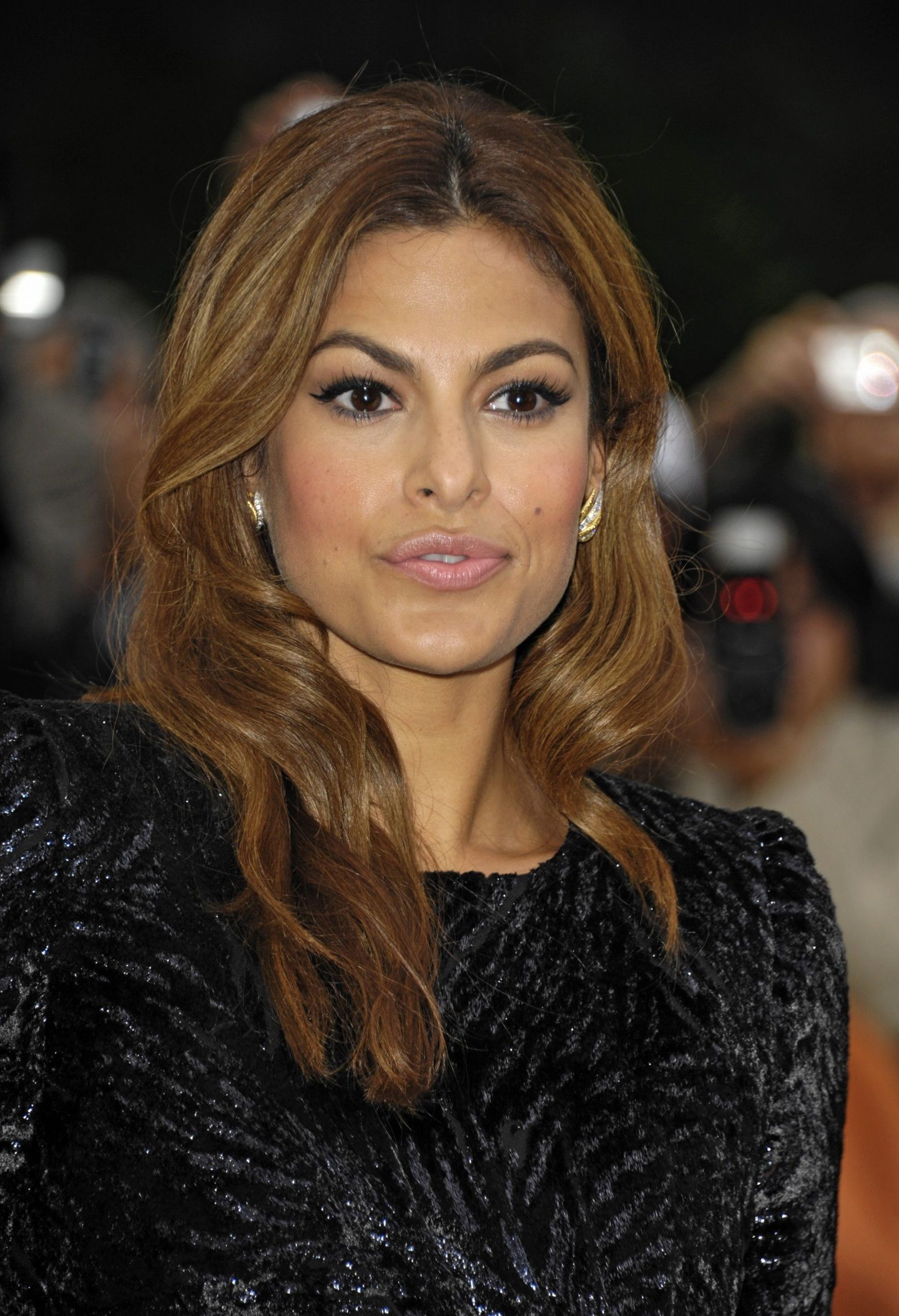 Eva mendes chocolate brown hair with subtle highlights ... |Eva Mendes Hair Color