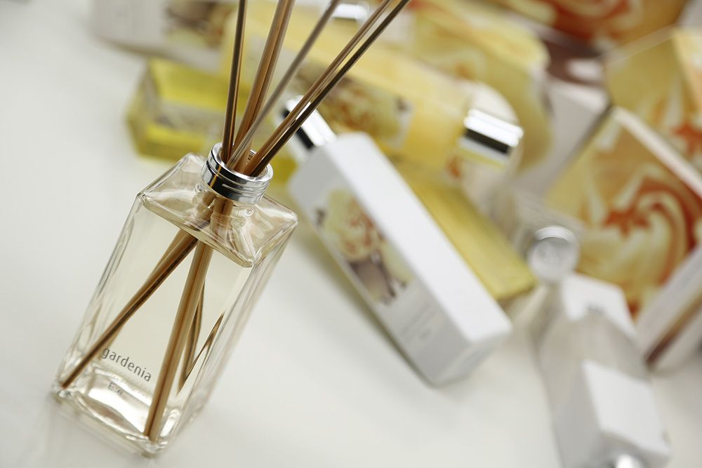 Gardenia Elementos Esenciales Gardenia, Perfume, Huellas