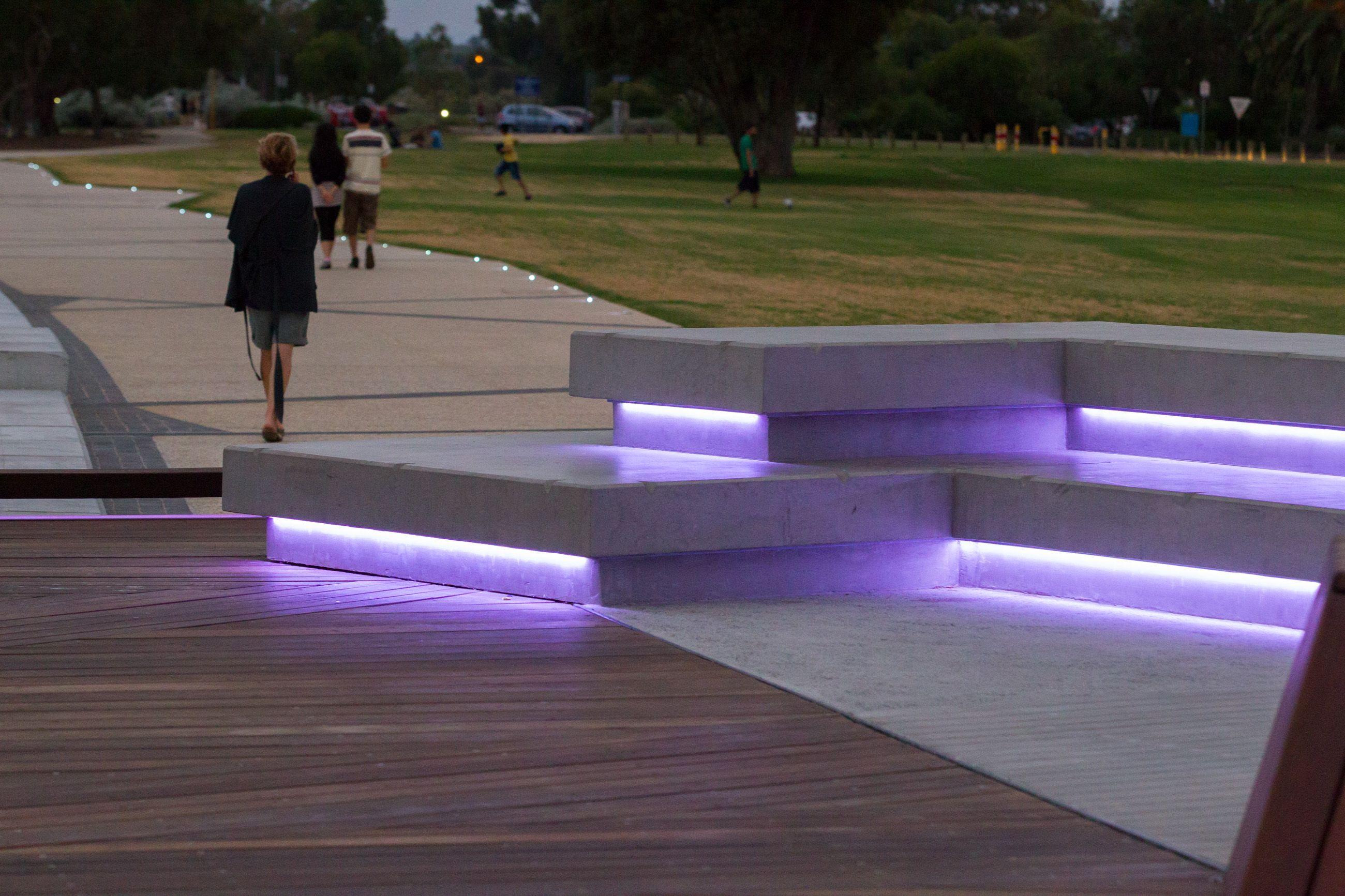 South Perth Promenade Lighting Design By Lighting Options Australia Http Www Lightingoptionsaustralia Com Au Lightingopt Design Giardino Design Giardino