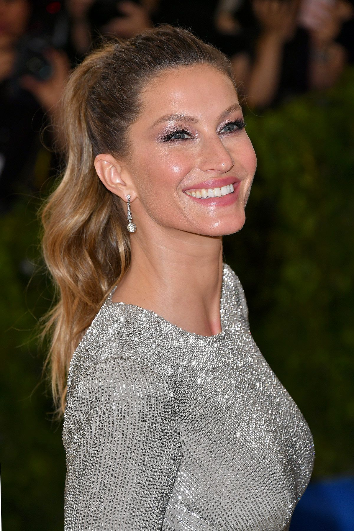 2019 year for lady- Get the gisele look bundchen 2